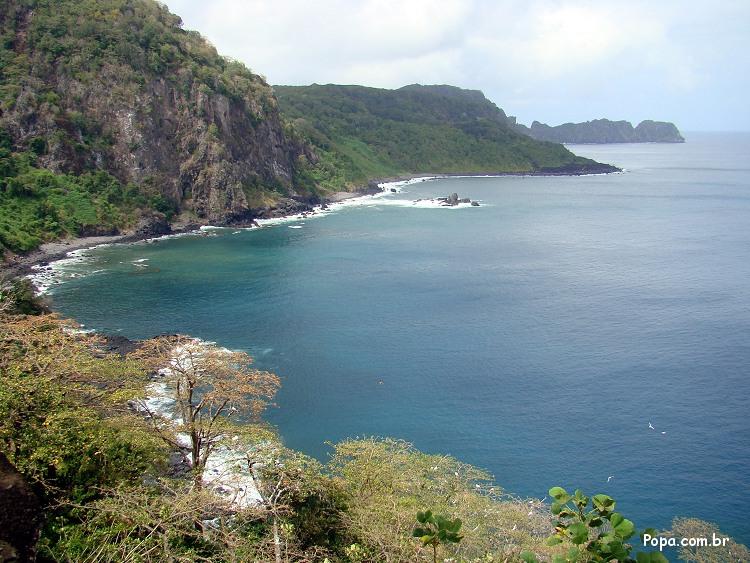 Baía dos Golfinhos ou Enseada do Carreiro de Pedra