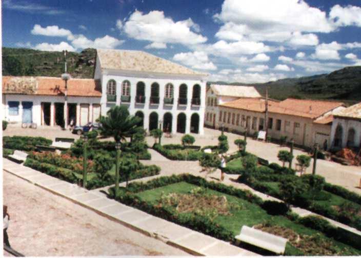 Mucugê vive do turismo graças às suas montanhas, cânions e ...