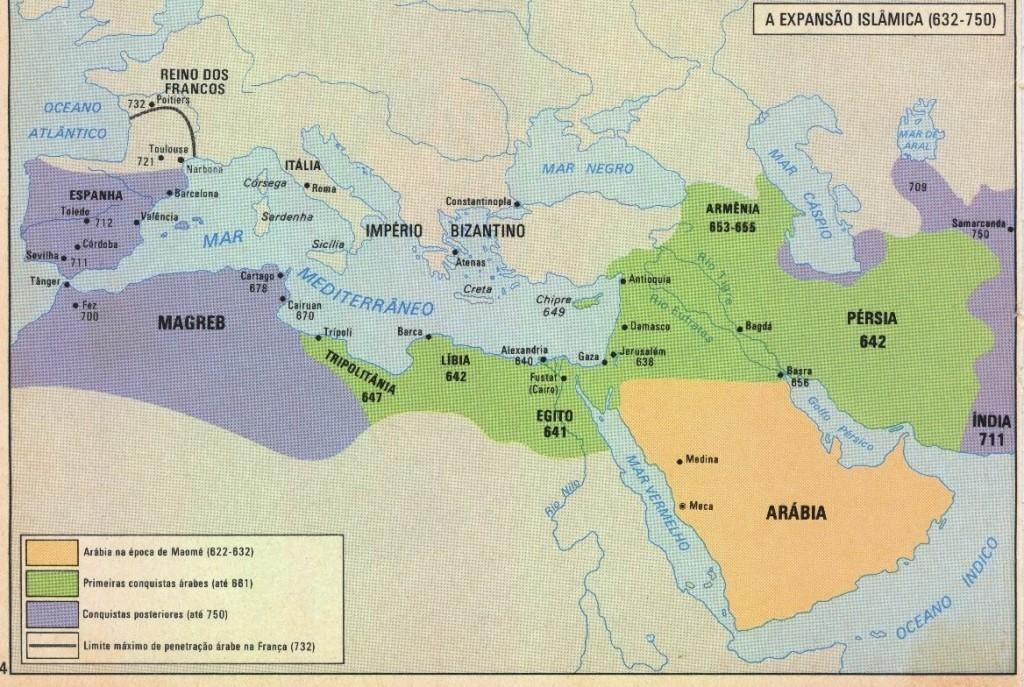 O império islâmico entre 632 a 750. Os árabes foram os responsáveis por direta ou indiretamente levarem a cana-de-açúcar para a África e a Europa.