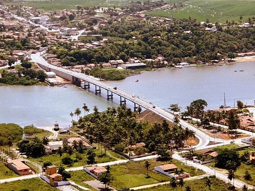 Barra de Santo Antonio possui praias para agradar a todos os gostos