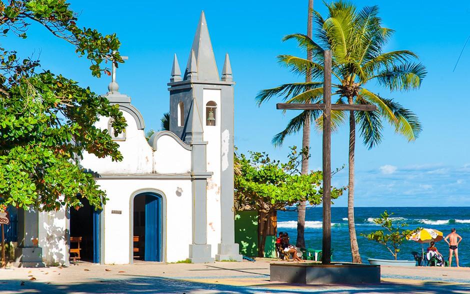 Praia do Forte é um destino imperdível para quem vai fazer turismo na Bahia