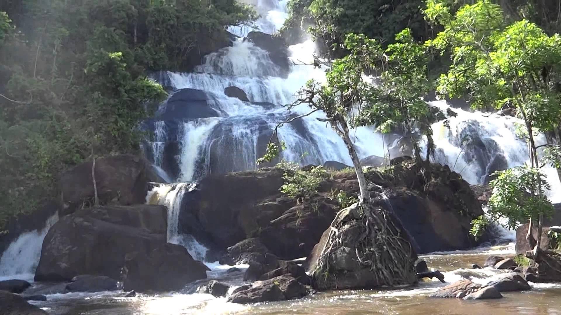 Cachoeira dos Catabrigas no extremo sul da Bahia