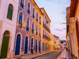 Azulejos portugueses na fachada dos casarões do Centro Histórico de São Luís