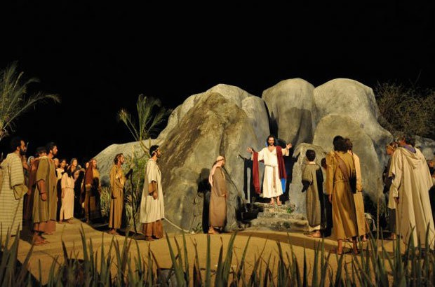 A encenação Paixão de Cristo ocorre em Nova Jerusalém PE