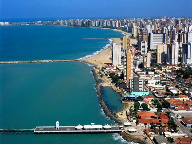 """Fortaleza é intitulada de """"terra do sol"""", do vento, das jangadas e das praias infinitas"""
