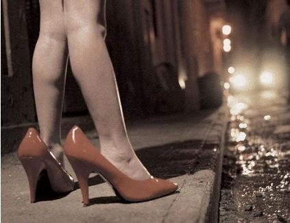 Reportagem da vida das travestis e prostitutas em Salvador