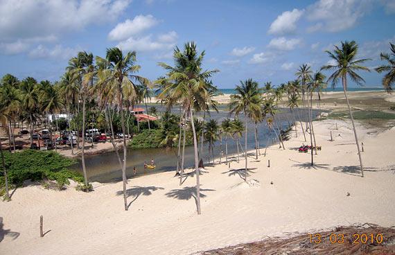 Rio do Fogo no RN possui praias paradisíacas, lagoas e mata preservada